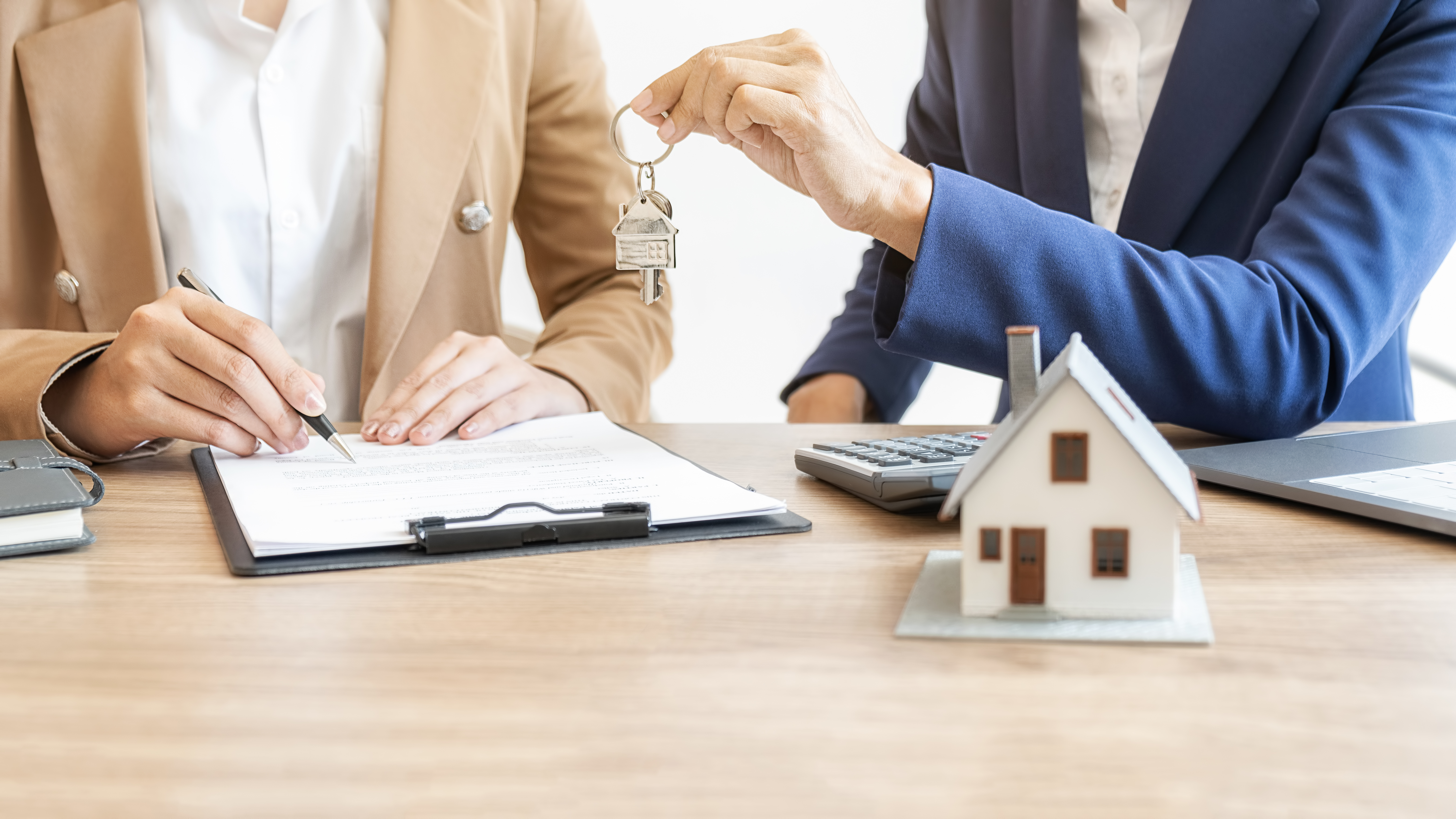 Real estate investors can now simply qualify with a streamlined, Low-Interest 30-year fixed rental property loans.